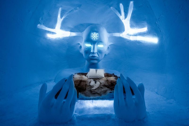 20_large_art-suite-queen-of-the-north-icehotel-28