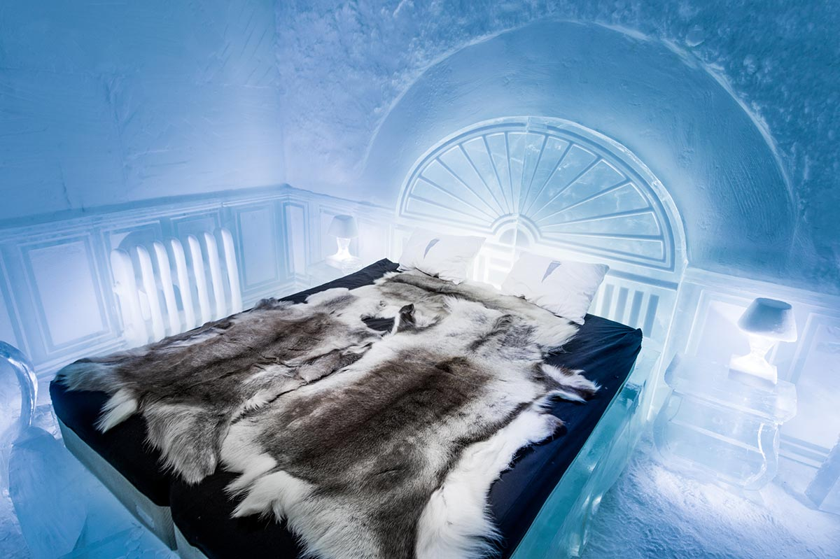 21_large_deluxe-suite-the-victorian-apartment-icehotel-365